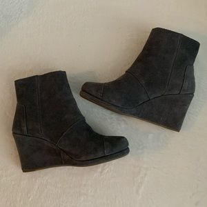 TOMS grey suede Desert Wedge booties, sz 8